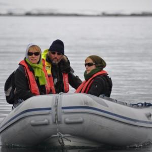 onderweg met dinghy antarctica
